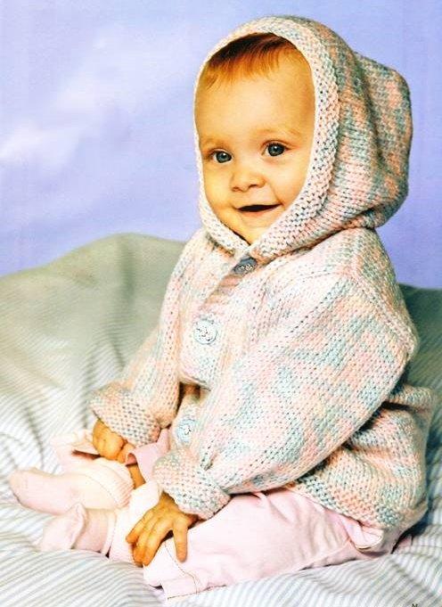 Меланжевая кофточка с капюшоном спицами для мальчика 6 месяцев