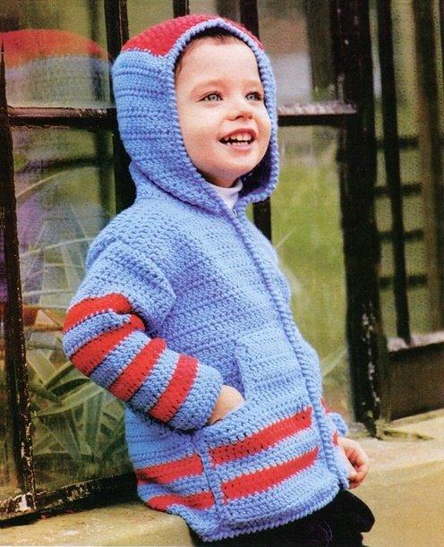 Яркая кофта с капюшоном для мальчика крючком