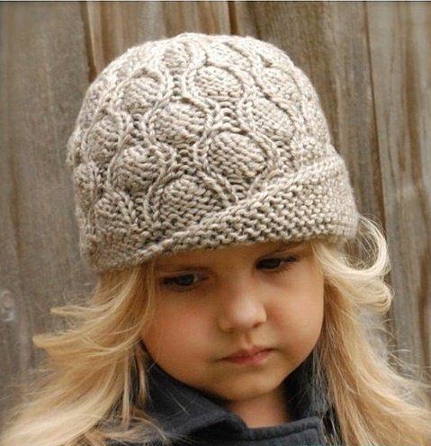 Элегантная шляпка для девочки с плетённым узором