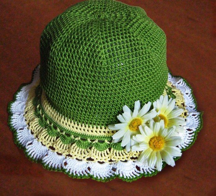 Шляпка с ажурными полями крючком