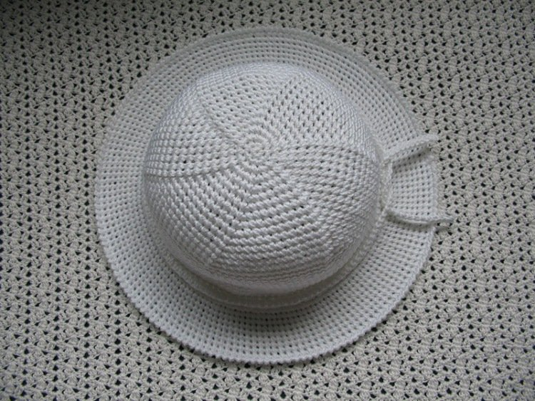 Летняя шляпа для девочки крючком