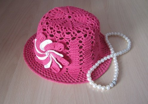 Летняя шляпка для девочки с объёмным цветком