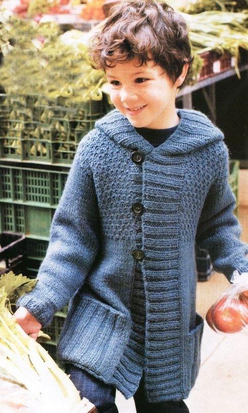 Пальто с капюшоном для мальчика спицами