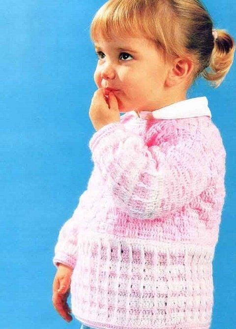 Розовый свитер для девочки крючком