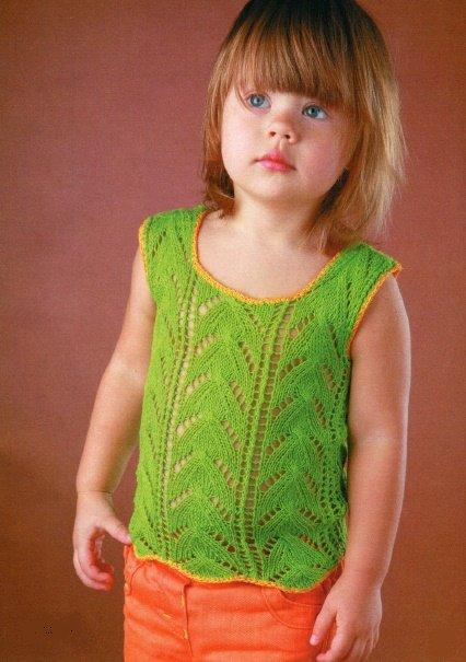 Ажурный зелёный топ для девочки спицами