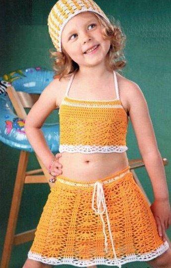 Пляжный костюм для девочки крючком