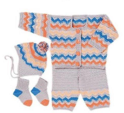 Костюм для малыша с шапочкой и носочками крючком