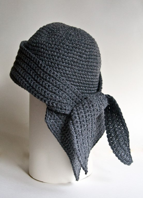 Зимняя шапочка-бандана для девочки крючком
