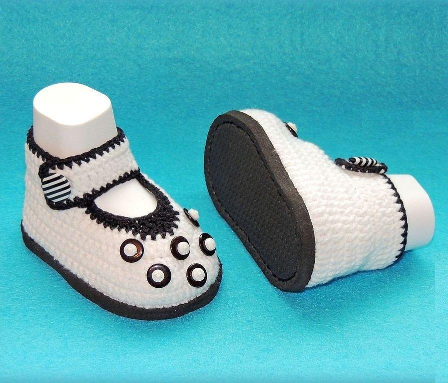 Белые туфельки для девочки крючком