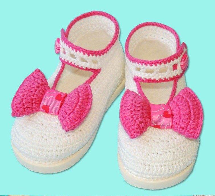 Туфельки с бантиками для девочки крючком