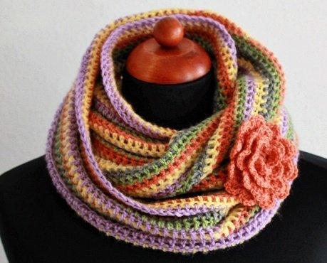 Разноцветный снуд для девочки крючком