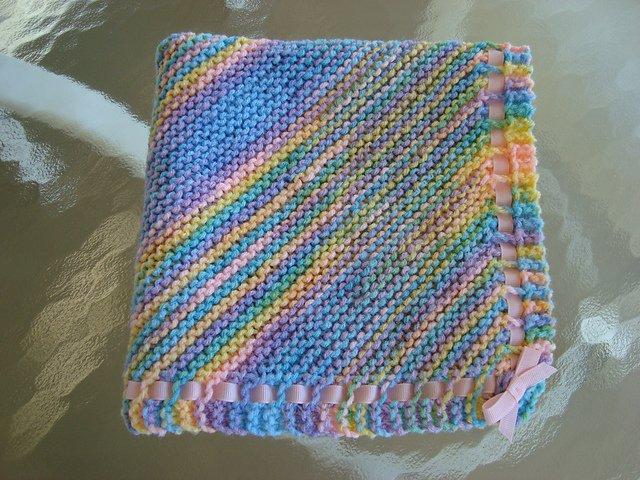 Одеяло для малыша спицами