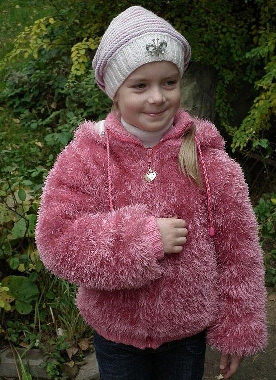 Куртка для девочки из травки спицами