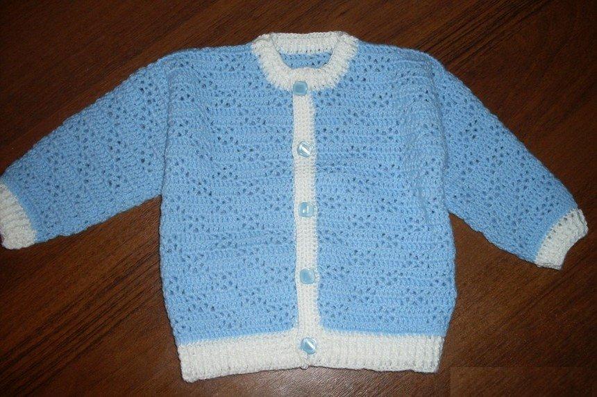 Голубая кофточка для новорожденного малыша крючком
