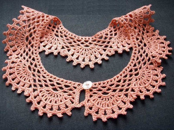 Украшение на платье вязаное крючком