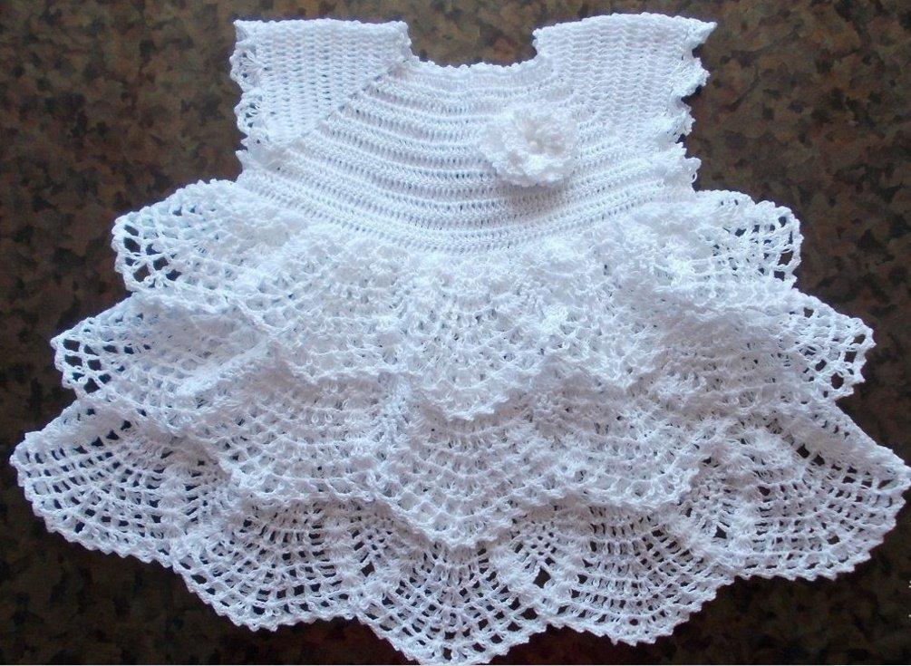 Платье с воланами для новорожденной девочки крючком