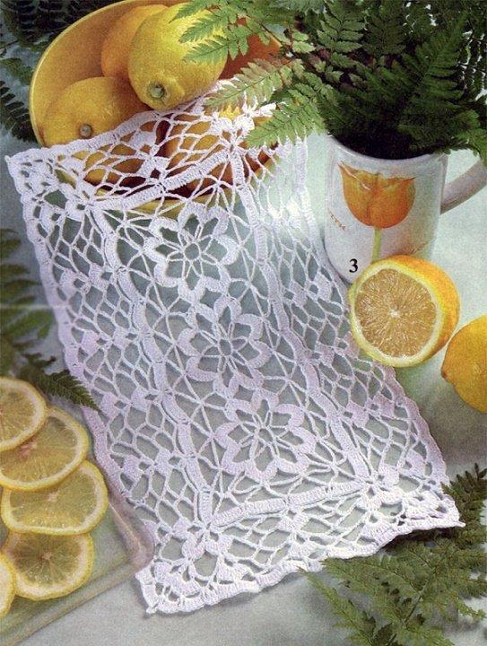Прямоугольная салфетка из цветочных мотивов