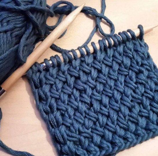 Большой выбор пряжи для ручного вязания