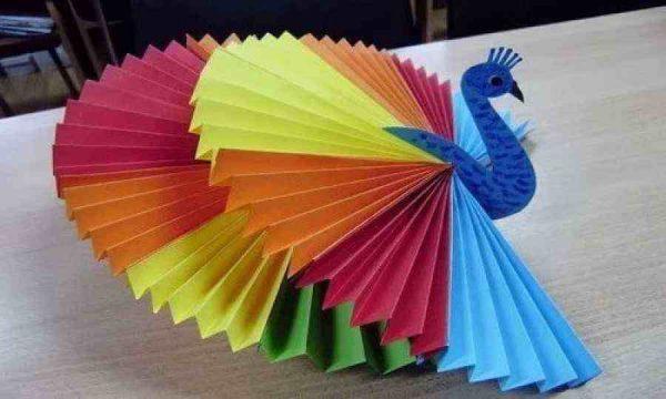 Как своими руками сделать павлина из картона и бумаги