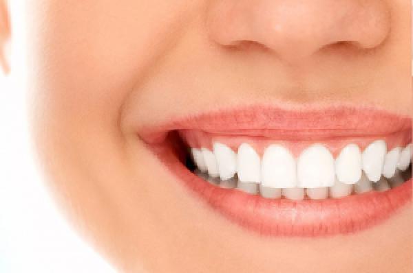 Яскрава та здорова посмішка без зусиль та сліз